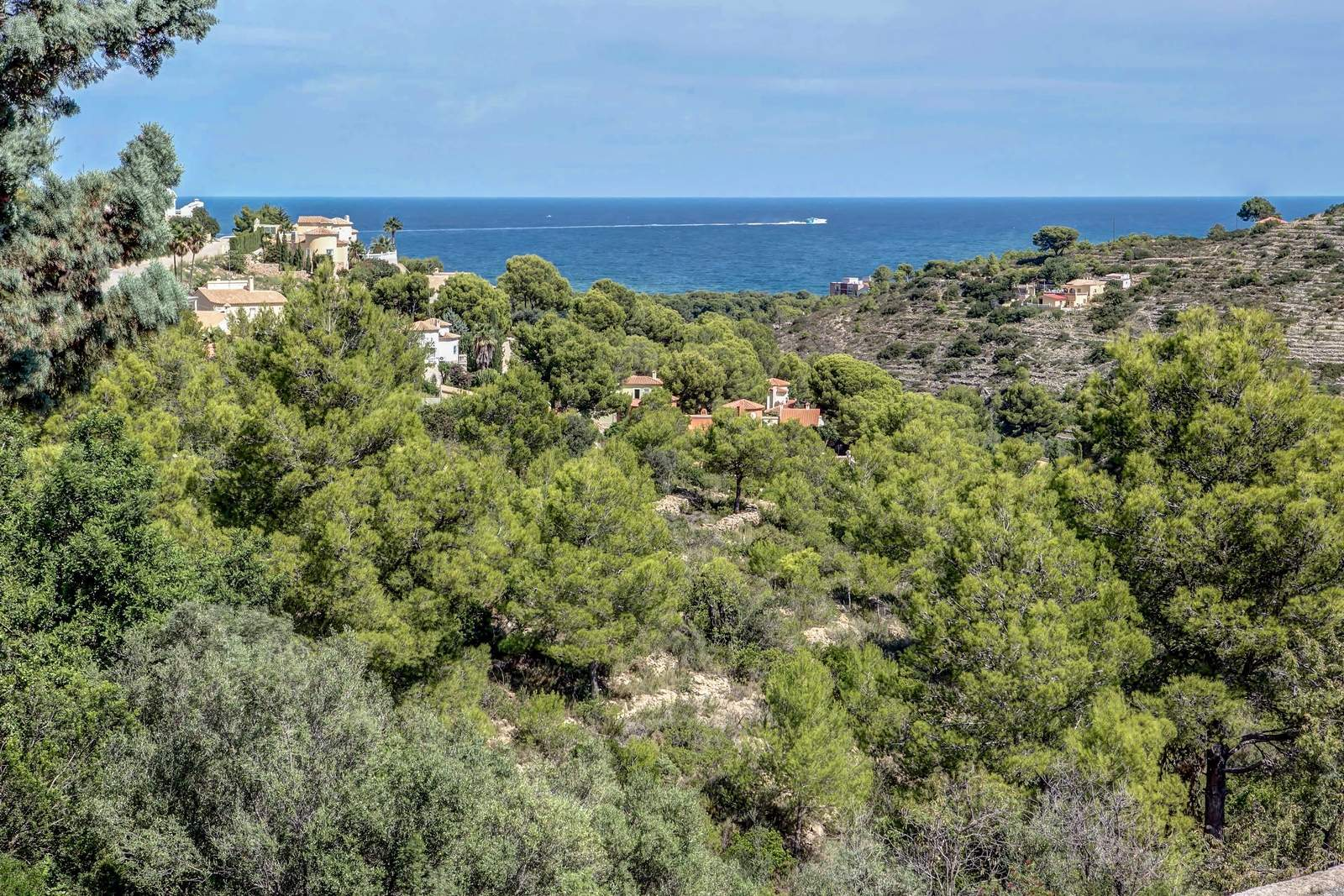 Villa à vendre avec vue sur la mer et appartement indépendant.